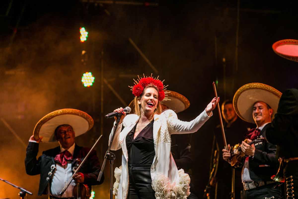 """María Toledo presentó su """"Ranchera Flamenca"""""""