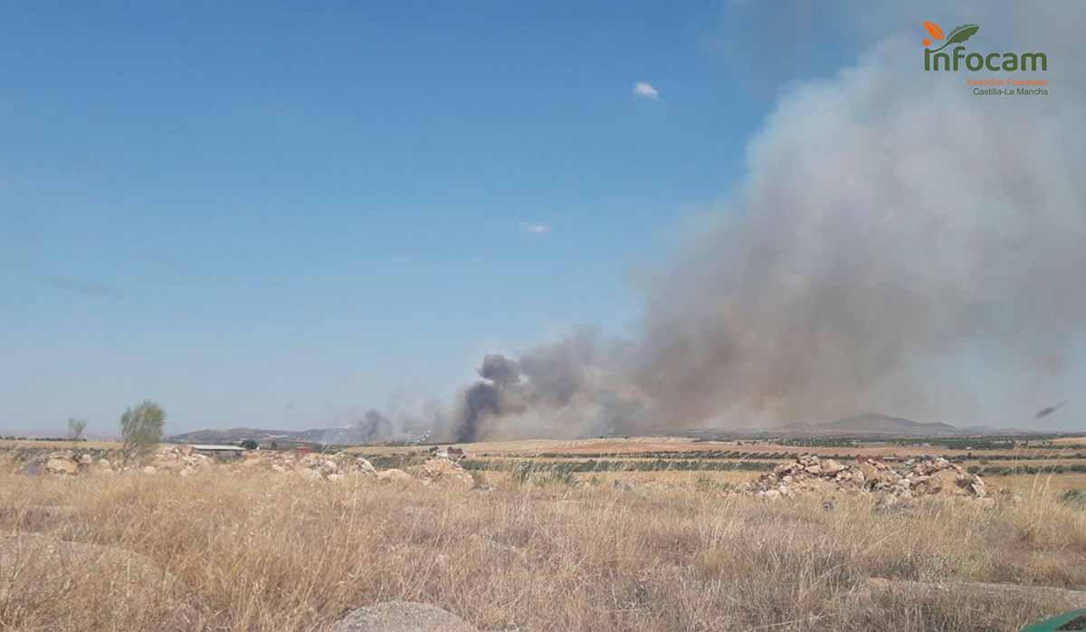Segundo incendio declarado hoy domingo en San Martín de Montalbán. Foto: Plan Infocam