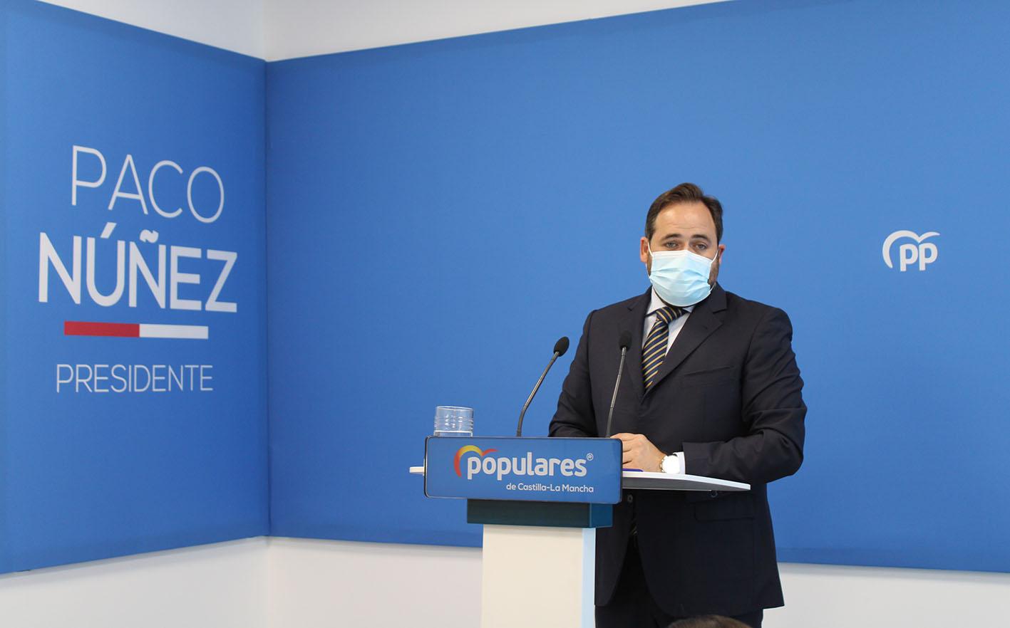 Paco Núñez, durante la rueda de prensa en la nueva sede del PP en Toledo.