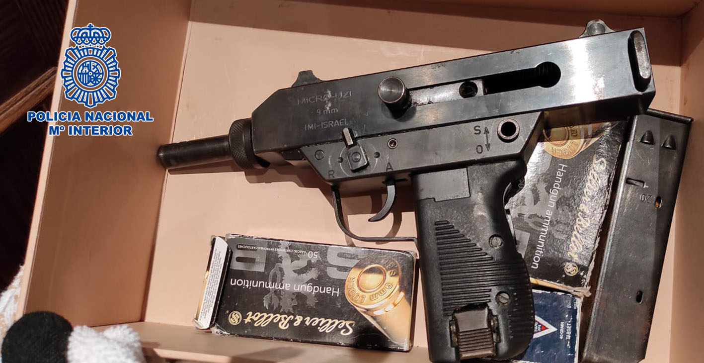 Uno de los detenidos llegó a utilizar este subfusil para disparar contra los agentes.