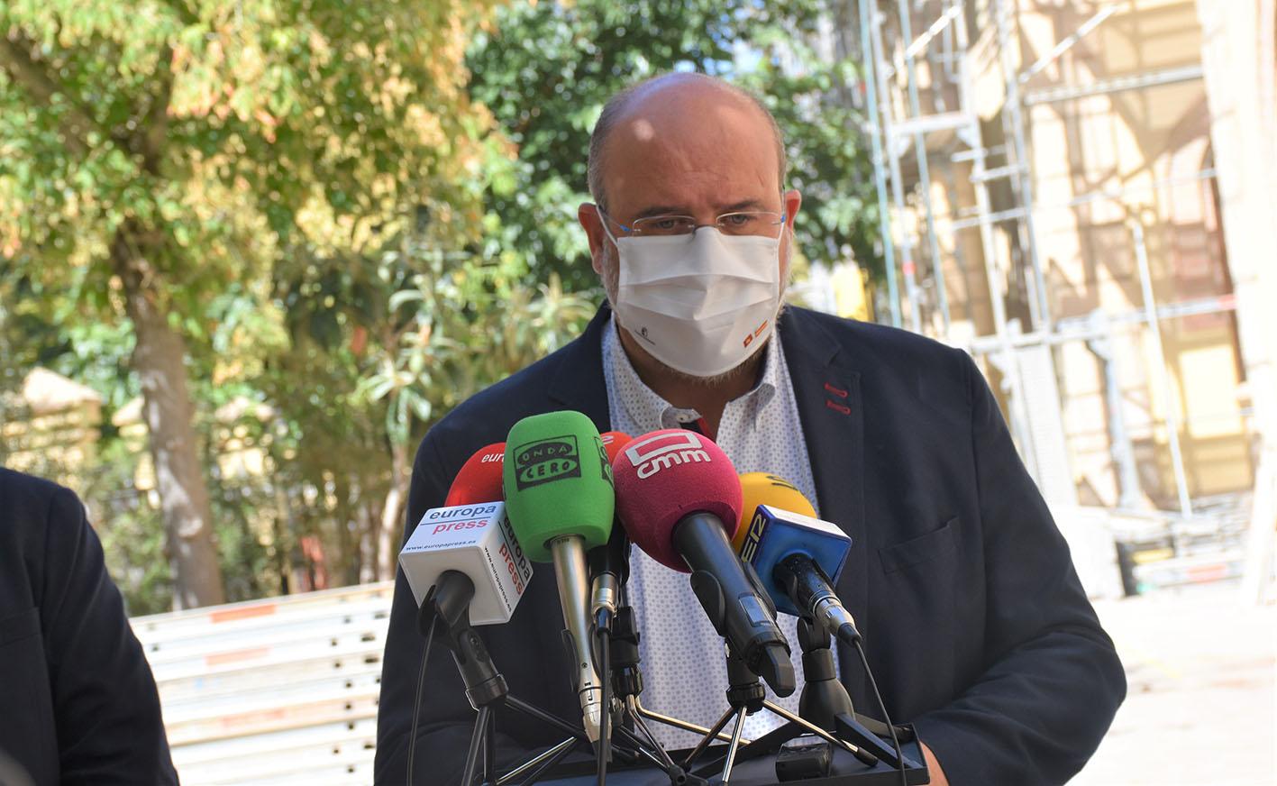 José Luis Martínez Guijarro, vicepresidente del Gobierno de Castilla-La Mancha, ha anunciado que las visitas a las residencias de mayores se limitarán a dos días por semana.