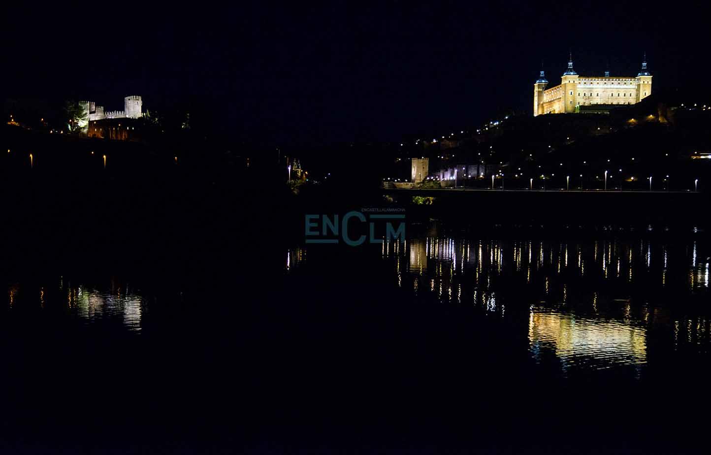 Vista nocturna de Toledo. ¿Te vas a resistir? Foto: Rebeca Arango.