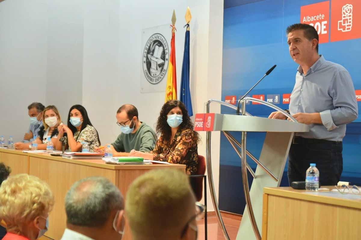 Santiago Cabañero, durante su intervención en el Comité Provincial del PSOE de Albacete