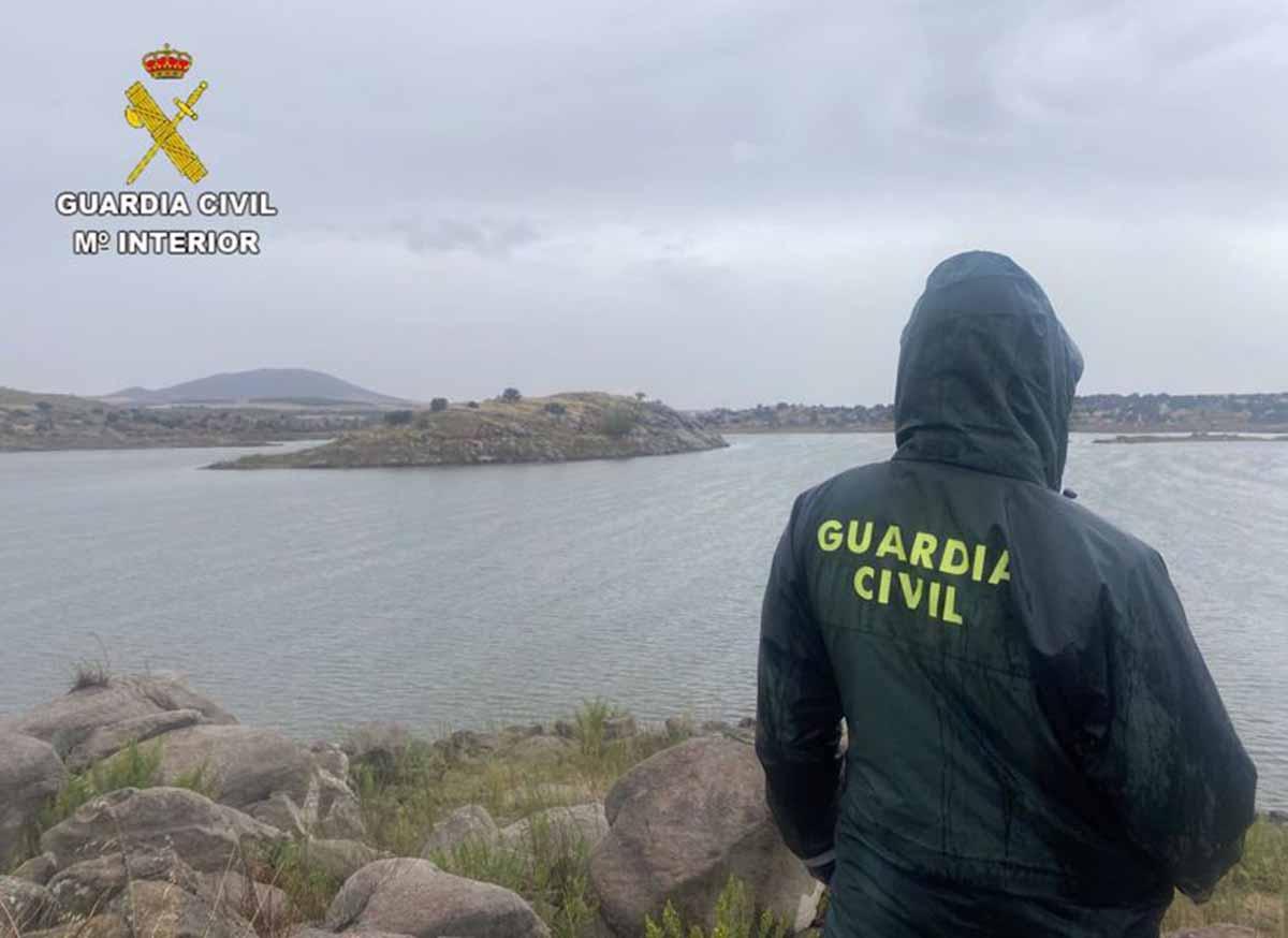 Amplio dispositivo para encontrar a un desaparecido en el pantano de Guajaraz, en Argés