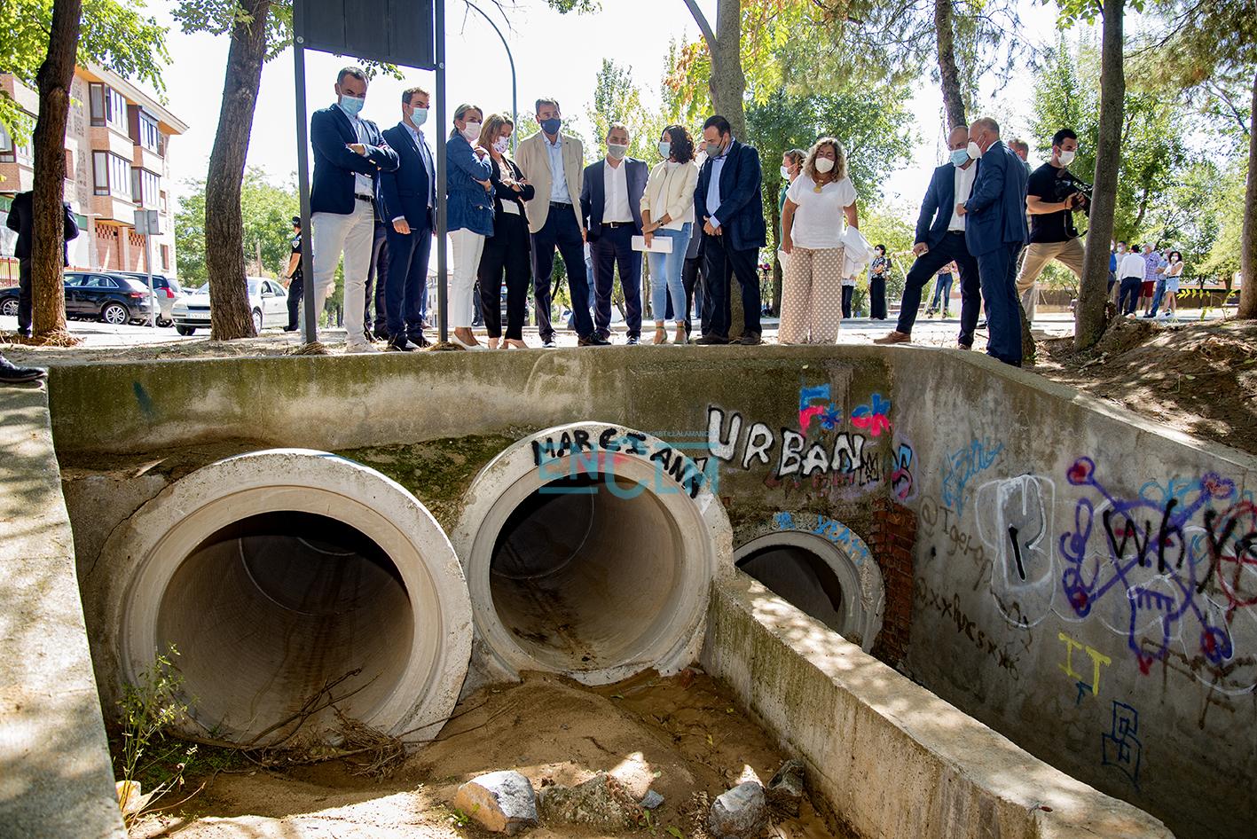Teresa Ribera ha visitado la zona afectada por la DANA en Azucaica. Foto: Rebeca Arango.