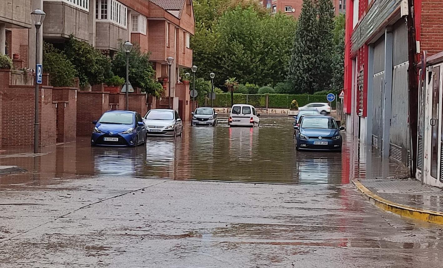 Una de las calles anegadas en Talavera.