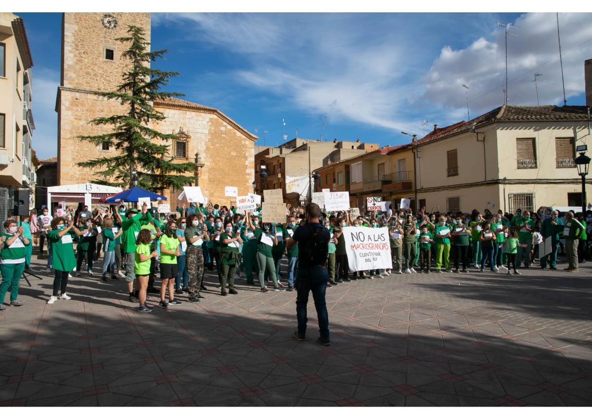 """""""El Juego de Quintanar"""", la protesta en Quintanar del Rey contra las macrogranjas."""
